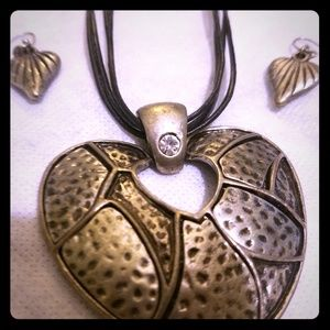 Nickel metal leather necklace with earrings